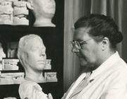 Eerste vrouwelijke lector prothetische tandheelkunde: mej. Jans Gretha Schuiringa (1887-1975)